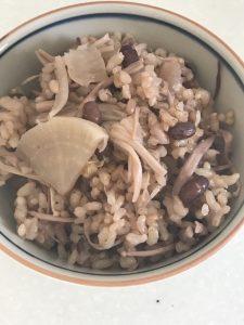 大根とエノキと小豆の炊き込みご飯