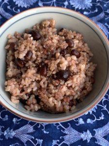 玄米ご飯に、スーパーフードを入れて炊く