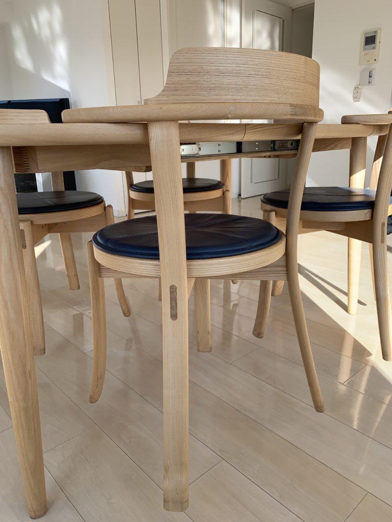 ルンバブルなダイニングテーブルと椅子