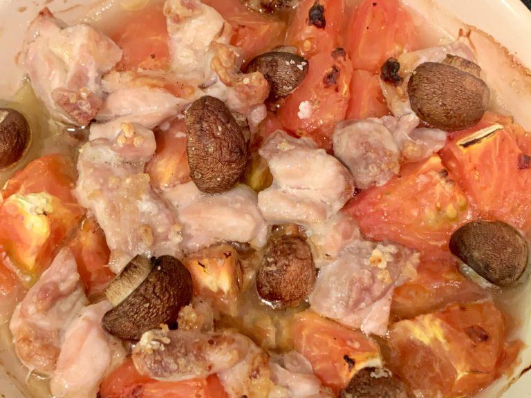 鶏肉とトマトとマッシュルームのスープ